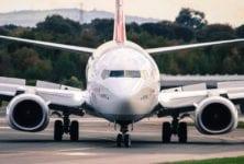 Boeing con más recortes de empleo y menos producción