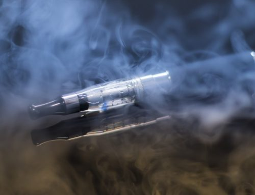 Kroger y Walgreens dejarán de vender cigarrillos electrónicos