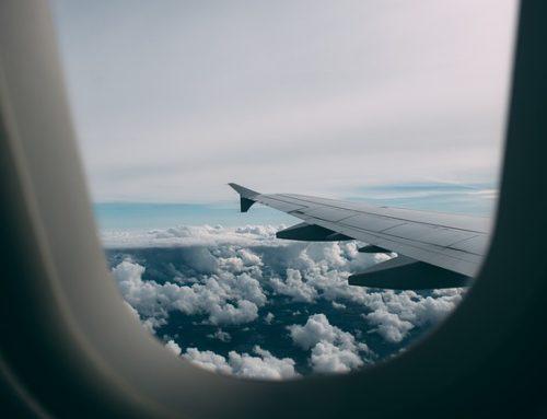 Más felices quienes viajan en clase económica