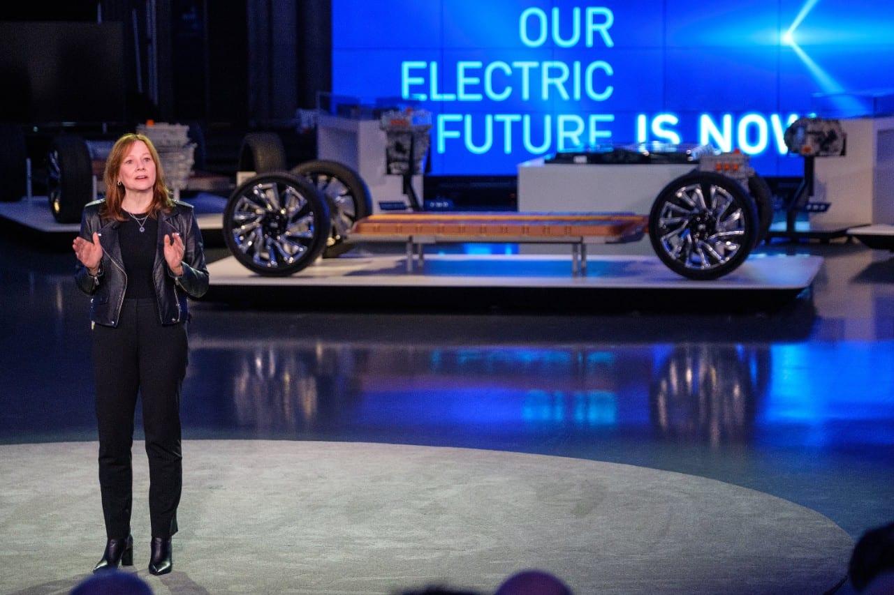 General Motors anuncia plan para producir solo autos eléctricos