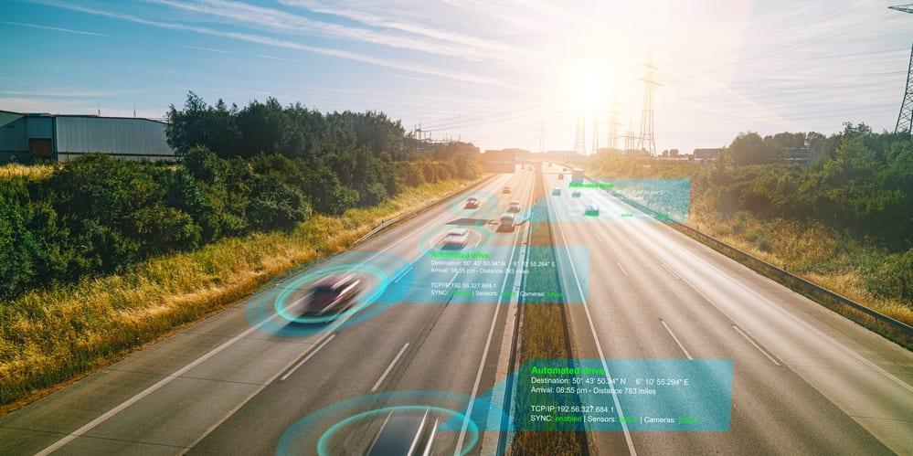 Microsoft y Apple invierten en autos sin conductor
