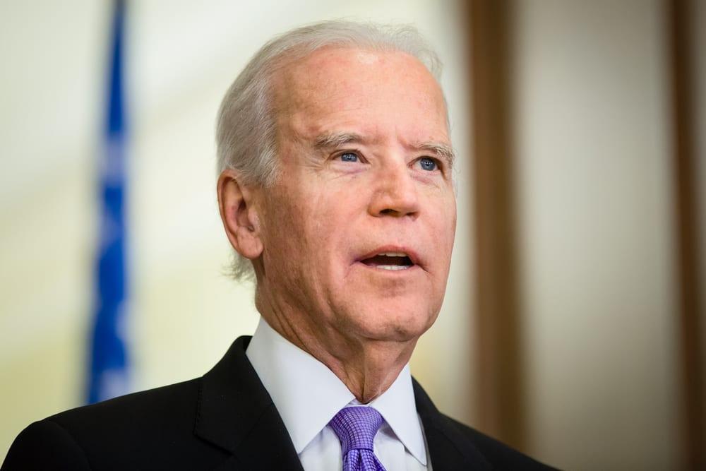 Biden anuncia medidas para contener la violencia con armas de fuego